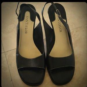 ANN TAYLOR Black Leather Sole Shoes